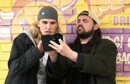 Kevin Smith (rechts) in seiner Paraderolle als Silent Bob.