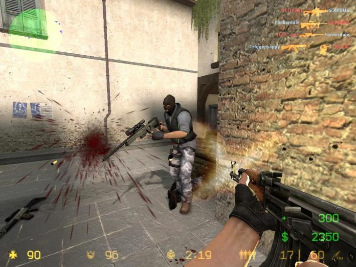 Counter-Strike: Source (October 2004)
