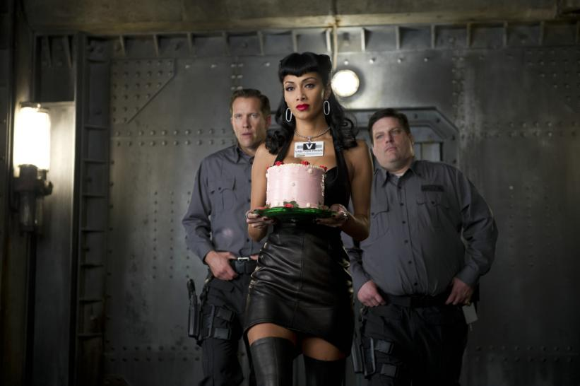 "(v.l.n.r.:) Tom McComas, Nicole Scherzinger (""Lilly"") und Doug Crosby in Sony Pictures' MEN IN BLACK 3."